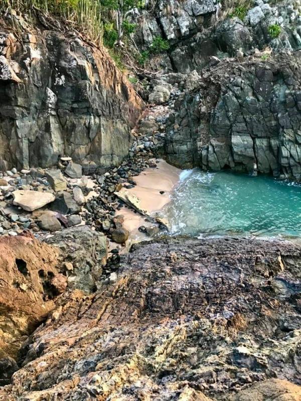 Les sentiers passent à côté de plages paradisiaques © DR