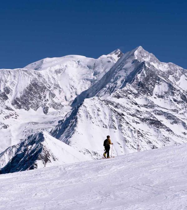 Les itinéraires balisés de ski de randonnée sont accessibles et bénéficient d'un panorama à couper le souffle © Boris Molinier