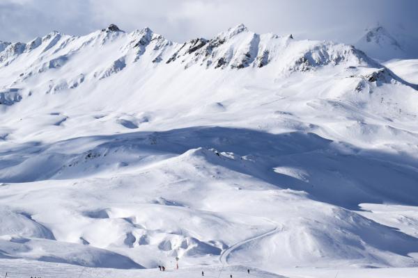 Décor majestueux côté du domaine skiable de Bellevarde © YONDER.fr