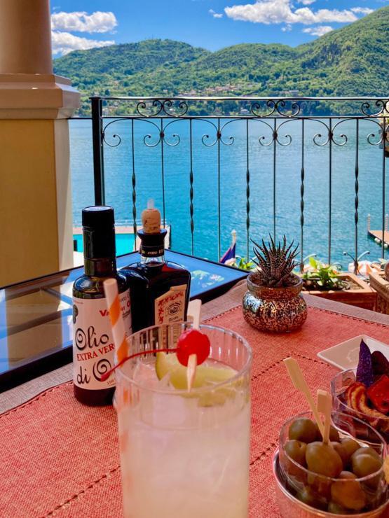 Un verre au bord du lac au Grand Hotel Tremezzo © Pierre Gautrand | YONDER.fr