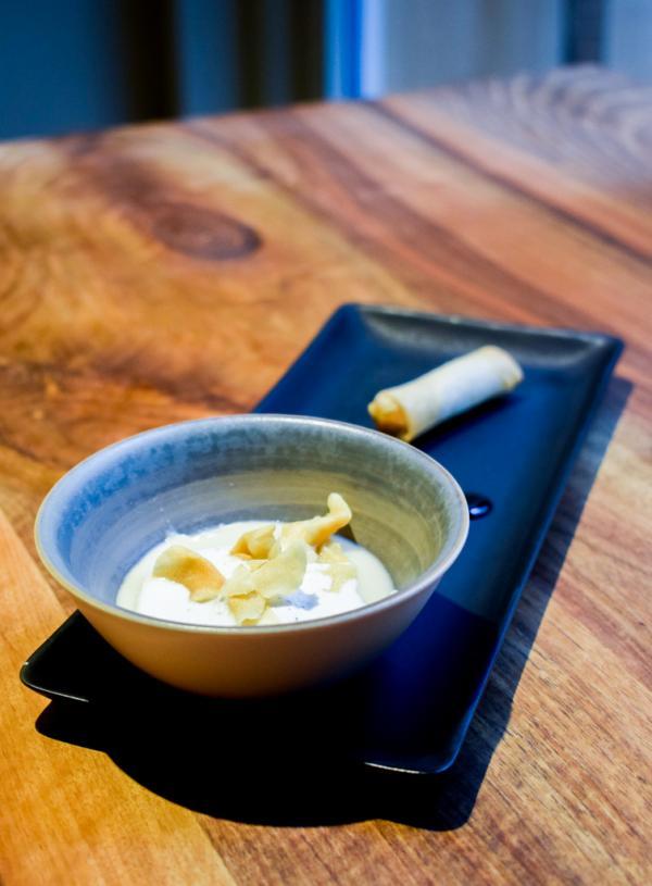 Hélianthis crème à la Sichuannaise / nem de légumes © YONDER.fr