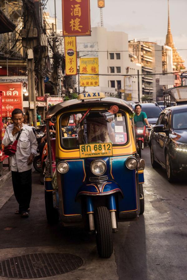 Promenade en tuk tuk à Bangkok © Yuzki Wang