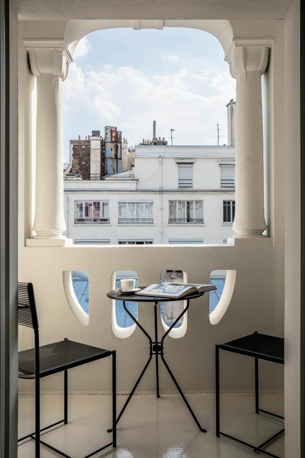 Terrasse — Hôtel du Rond Point des Champs Elysées © Gilles Trillard.