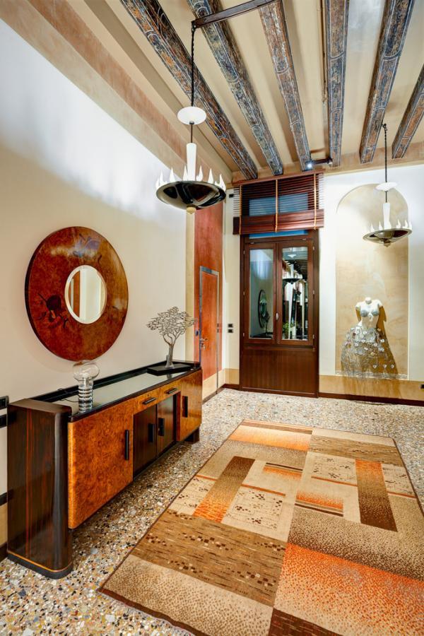 Le majestueux couloir donnant accès au chambre au 1er étage | © Ca' Pisani Hotel