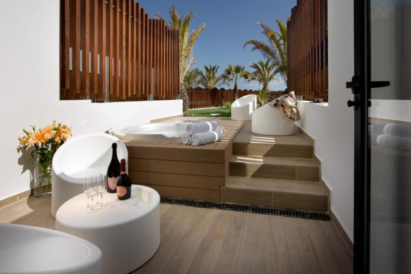 Terrasse de la Rock Suite Beach | © Hard Rock International