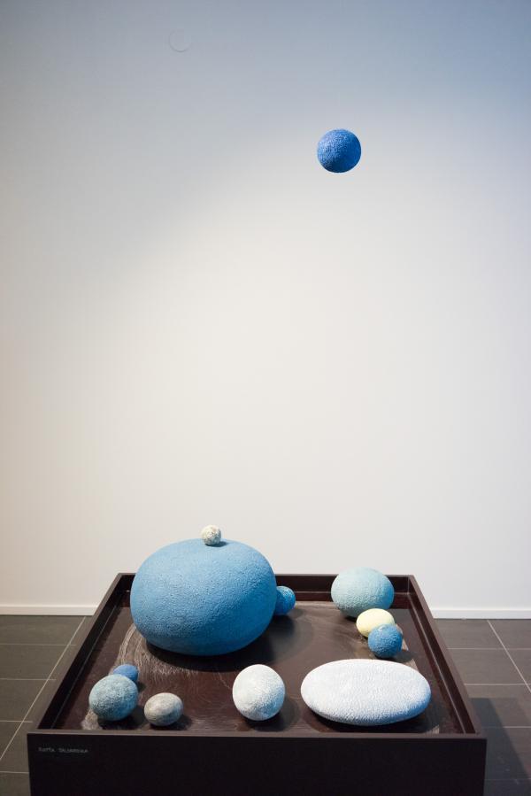 Une oeuvre de l'artiste Riita Talonpoika  dans la galerie Pentik