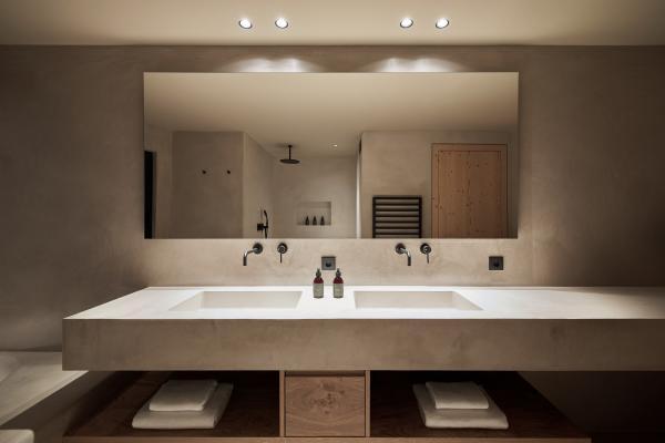 La salle de bain du penthouse.  © Forestis