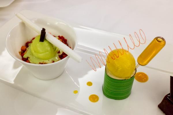Assortiment de desserts au restaurant Alex Grill (chef Frédéric Fischer) © Yonder.fr