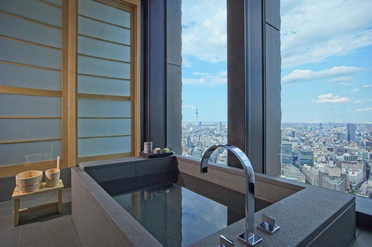 Aman Tokyo - Salle de bain avec vue