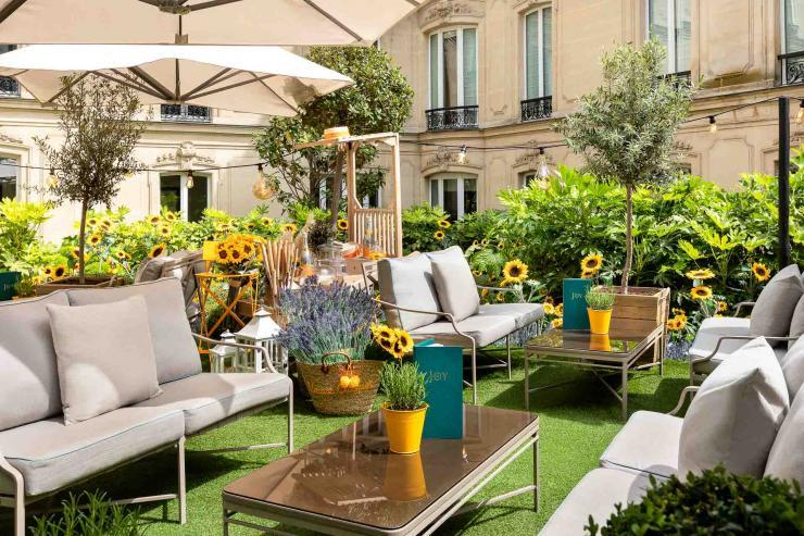 Le Jardin du Joy, la nouvelle table de l'Hôtel Barrière Le Fouquet's Paris sur les Champs-Élysées © DR
