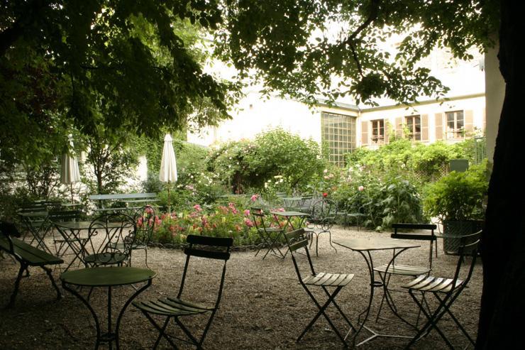 Un thé dans le jardin au Musée de la Vie Romantique | YONDER