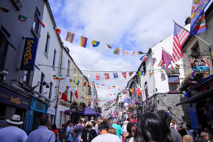 Shopping street à Galway © Ruby Doan