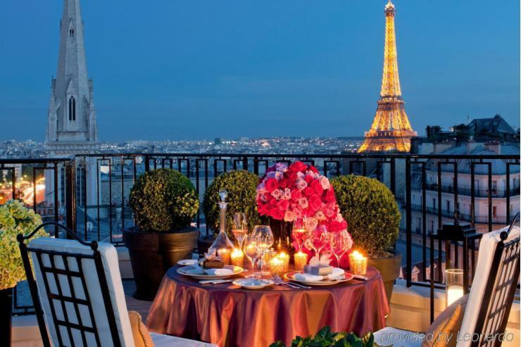 La terrasse du George V © Four Seasons Hotels