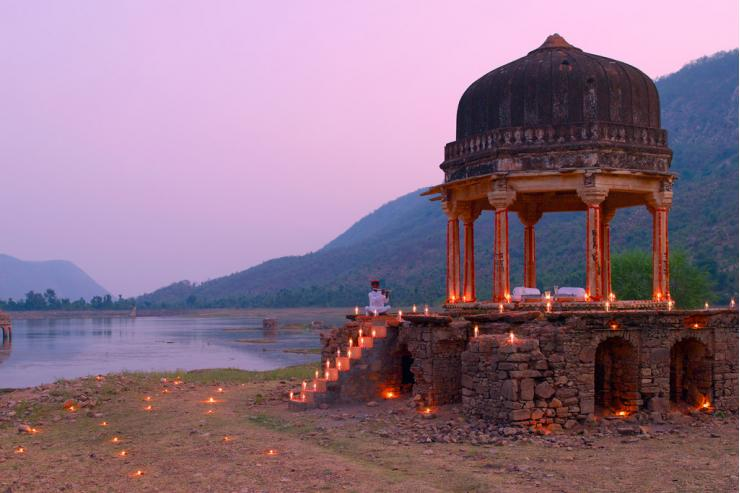 Diner au petit Chhatri à l'Amanbagh © Aman