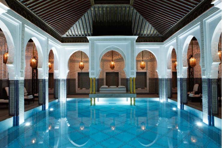 La piscine intérieure de la La Mamounia © La Mamounia