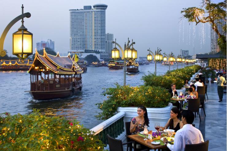 La terrasse du restaurant Riverside au Mandarin Oriental Bangkok  © Mandarin Oriental