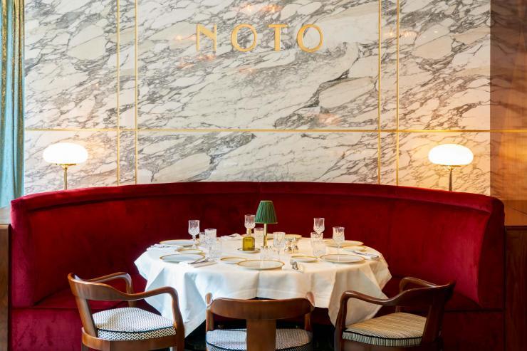 Salle à manger du restaurant NOTO (Paris 8ème) © D. Delmas