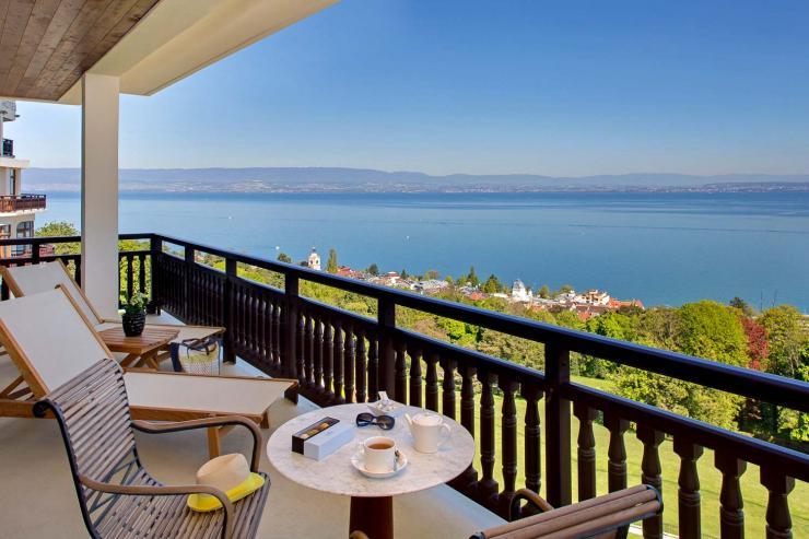 22 h tel royal evian resort vian les bains les 30. Black Bedroom Furniture Sets. Home Design Ideas