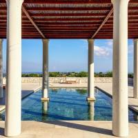 L'une des multiples piscines de l'Amanzoe © Yonder.fr