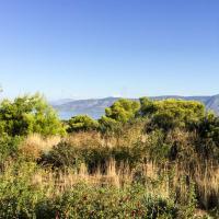 L'Amanzoe est installé au sommet d'une colline. Partout autour, la nature © Yonder.fr