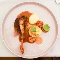 Le dernier plat (salé) du déjeuner de The Jane : pigeon, girolles, aubergine et foie gras © Yonder.fr