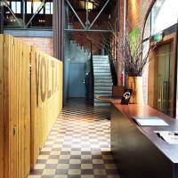 Accueil du restaurant volta., installé dans une ancienne centrale électrique © Yonder.fr