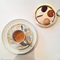 Café et mignardises © Yonder.fr