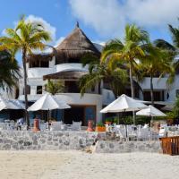La principale terrasse du resort, vue de la plage © Yonder.fr