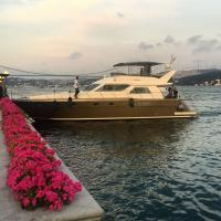 Bateau accostant au Four Seasons Bosphorus © Yonder.fr