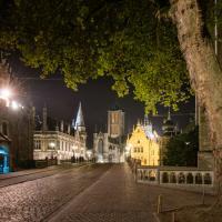 Atmosphère magique la nuit à Gand grâce des éclairages parfaitement maîtrisés © VisitGent