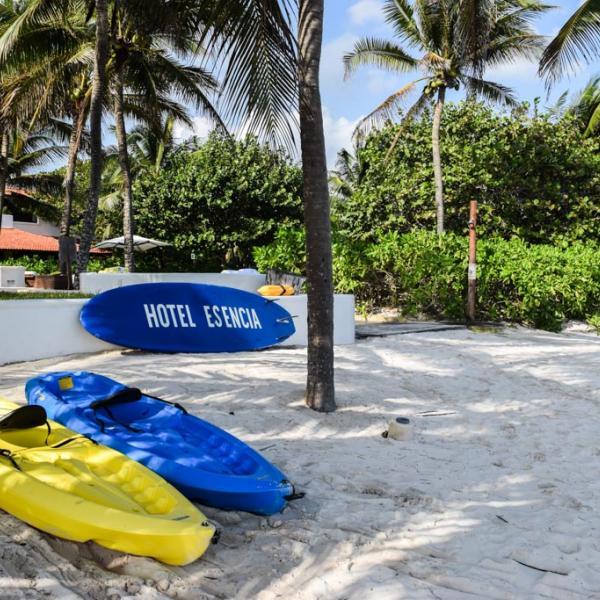 Sur la plage de l'hôtel © Yonder.fr