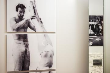 Hommage à Sean Connery dans les salles de bain © Yonder.fr