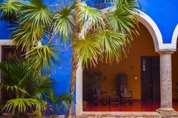 La couleur bleue recouvre les principaux bâtiments de l'Hacienda © Yonder.fr