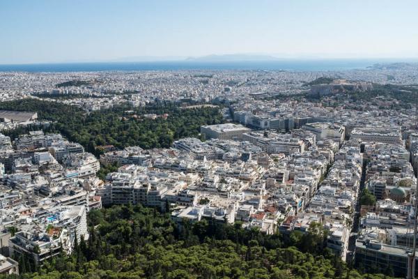 La superbe vue panoramique depuis le Lycabette. Au fond à droite l'Acropole.