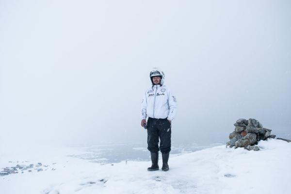 D couverte du groenland est excursions hivernales autour for Architecture qui se fond dans le paysage