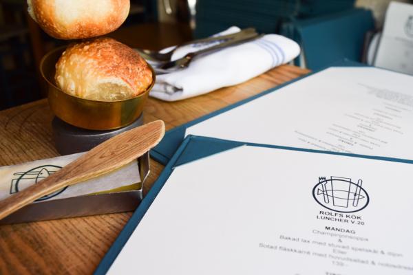 Le menu du jour chez Rolfs Kök : une entrée et le choix entre deux plats | © Yonder.fr