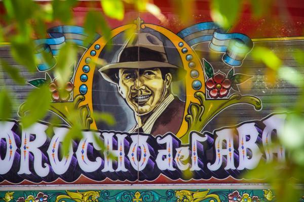 Peinture de Carlos Gardel, le père du Tango argentin – La Boca | © Nicolas Tapia