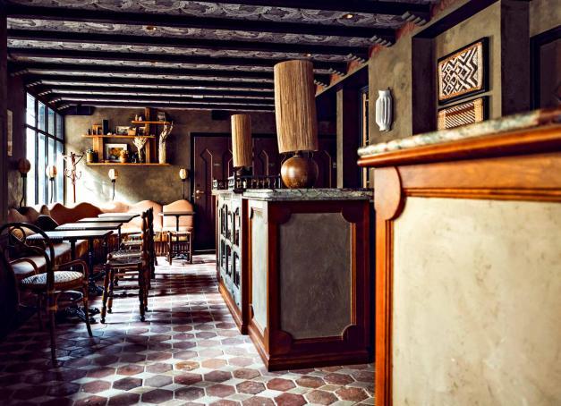 Avec la volonté de ne pas changer l'âme populaire et multiculturelle de Belleville à Paris, Babel ouvre son hôtel et son café-bar-restaurant dans une rue piétonne. Visite en images du premier boutique-hôtel du du quartier.