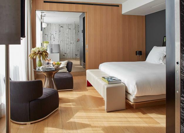 Sélection de 15 des plus beaux hôtels de luxe à Paris avec un focus sur les boutique-hôtels et adresses indépendantes.