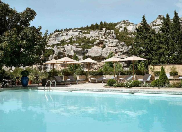 Envie d'un week-end détente et de retrouver quelques couleurs après ces longs mois d'immobilité ? Découvrez nos plus belles escapades pour un week-end de pure détente, de la Provence à l'Islande, du Pays basque à Marrakech.