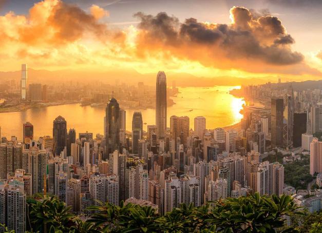 Old Town Central, cœur historique de Hong Kong, en est l'un des quartiers les plus charmants et les plus vivants. Avec la possibilité de s'offrir des échappées dans la nature en un rien de temps ! Randonnées avec vues ou farniente sur la plage, les possibilités sont nombreuses.
