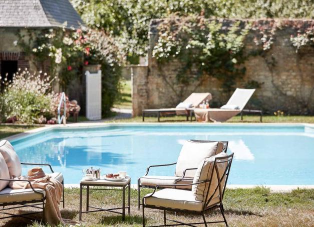 Du Perche aux plages du Débarquement en passant par les falaises d'Étretat et les chics stations d'Honfleur, Deauville et Cabourg sur la Côte Fleurie, notre sélection des plus beaux hôtels de luxe en Normandie.