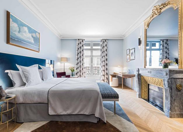 Notre sélection des plus beaux hôtels sur les Champs-Élysées et dans le quartier de la «plus belle avenue du monde». Au total, dix établissements, de l'hôtel de luxe intimiste au palace en passant par les boutique-hôtels qui redynamisent l'Ouest parisien.