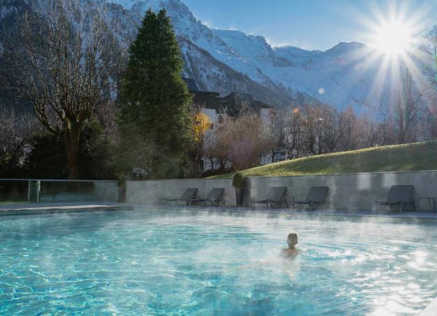 Quels sont les plus beaux spas de Chamonix ? La mythique station, au pied du massif du Mont-Blanc, dispose de l'une des plus belles offres bien-être des Alpes et de Haute-Savoie en particulier. Tour d'horizon des meilleurs spas de Chamonix.