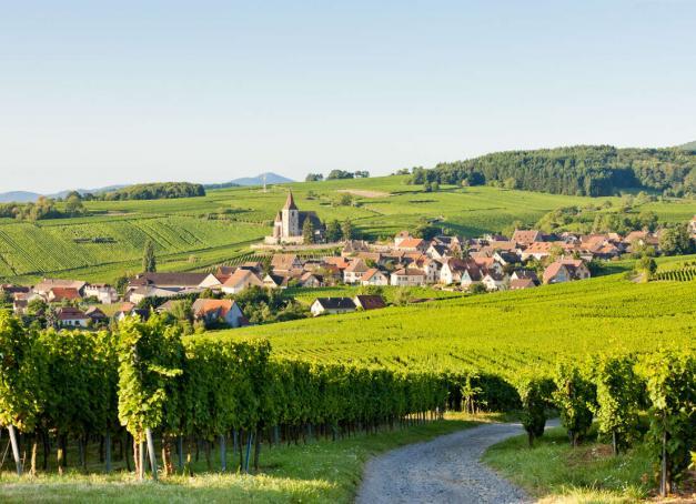 Envie de profiter d'une pause romantique à deux? Pourquoi ne pas vous échapper du côté du Grand Estpour un week-end en amoureux en Alsace, de Kaysersberg à Colmar, de Ribeauvillé à Ebersmunster.