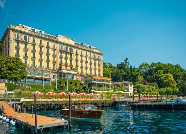 Pur trésor d'Art Nouveau sur les rives du lac de Côme, le Grand Hotel Tremezzo est l'un des plus beaux hôtels de la région des lacs italiens, destination parmi les plus romantiques d'Italie.