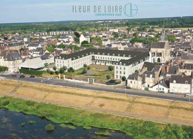 Le chef doublement étoilé Christophe Hay inaugurera à l'été 2022 Fleur de Loire, un nouveau lieu ambitieux regroupant restaurant gastronomique, brasserie, kiosque à pâtisserie et hôtel 5-étoiles avec spa à Blois.