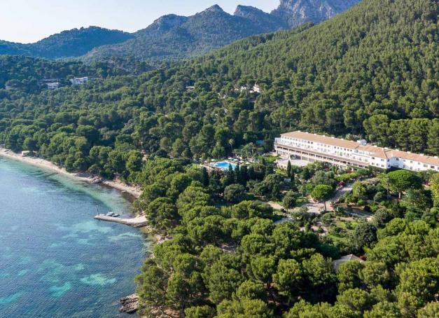 Après Madrid en 2020, Four Seasons ouvrira un second hôtel en Espagne à Majorque en 2023. L'historique Hotel Formentor, au nord de l'île baléarique, va être entièrement rénové pour l'occasion.