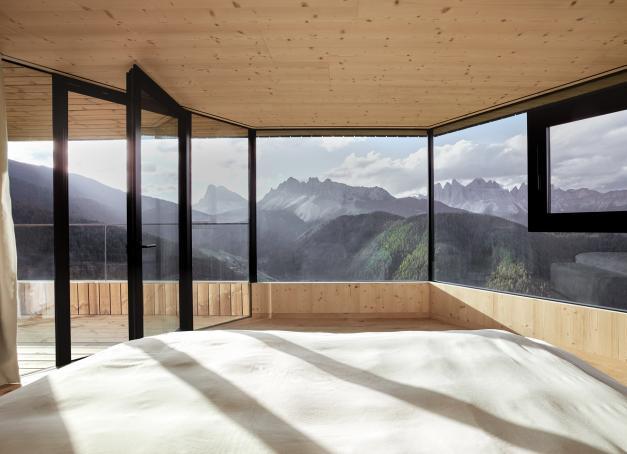 Vues exceptionnelles, design léché et bien-être caractérisent Forestis, l'un des plus beaux hôtels des Dolomites.